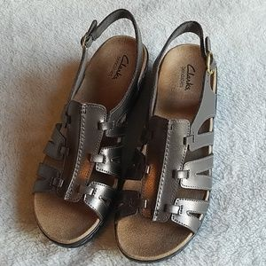 NWOT Clark's Bendables Sandals